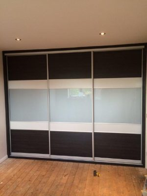 5 panel slide door (Highland black, Light Grey and Grey Glass)