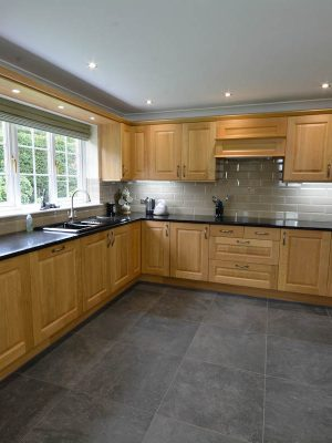 Wood fronts and glossy work tops
